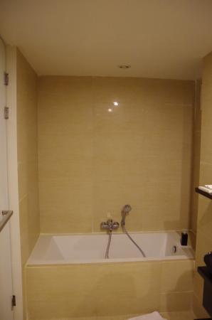 Royal Family Suite Bad 1 mit Wanne und extra Dusche