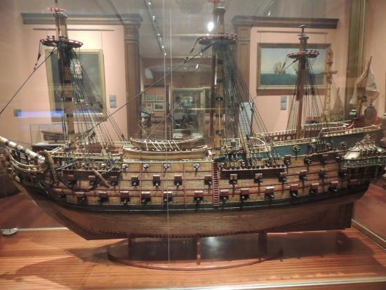 Rumpfmodell eines Linienschiffes - Picture of Naval Museum, Madrid - TripAdvisor