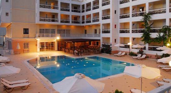Iraklion Hotel: awful