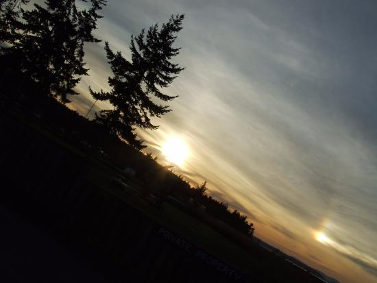 The Salish Seaside Escapes: A lovely sunset looking south from the beach at Eastsound