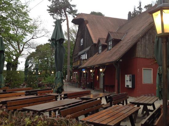 Schoner Biergarten In Der Nahe Des Ausflugsweihers Forsthaus Dechsendorf Erlangen Reisebewertungen Tripadvisor