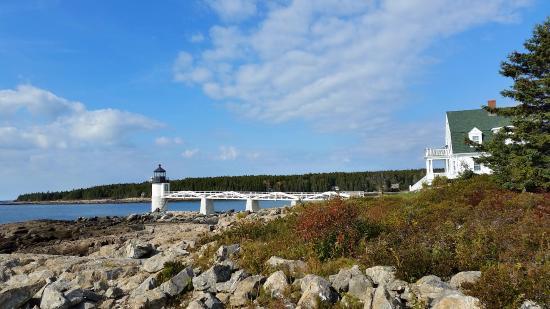 Marshall Point Lighthouse Museum: Marshall Point headlight