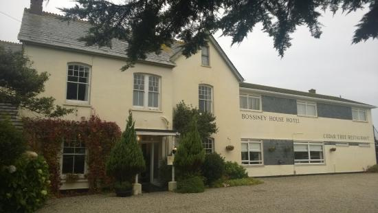Bossiney House Hotel: Outside Front