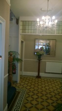 Bossiney House Hotel: Entrance Hall