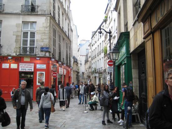 street view picture of le marais paris tripadvisor. Black Bedroom Furniture Sets. Home Design Ideas