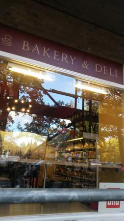 Bakeri & Deli