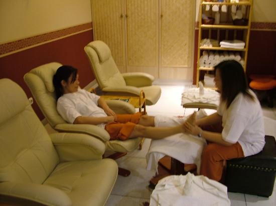 Traditional Foot Massage - Picture Of Orchidea Thai -4476