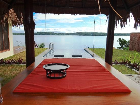 The Havannah Vanuatu Day Dreaming Suspended Bed Deluxe Waterfront
