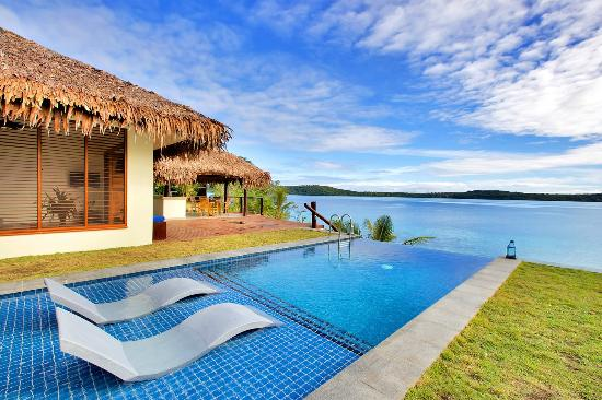 The Havannah, Vanuatu: Pool at the Deluxe Waterfront