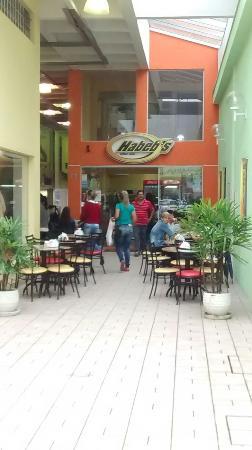 Habeb's Cafe E Congelados