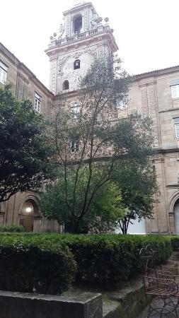 Hospederia San Martin Pinario: Pátio interno da hospederia