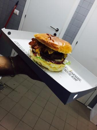 Burbee - Artisanal burger & beer