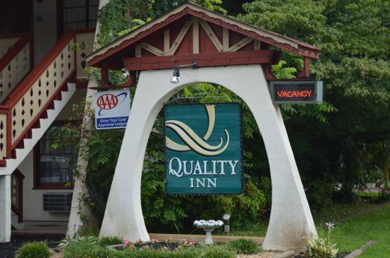 Quality Inn Helen: Quality Inn Welcome Sign