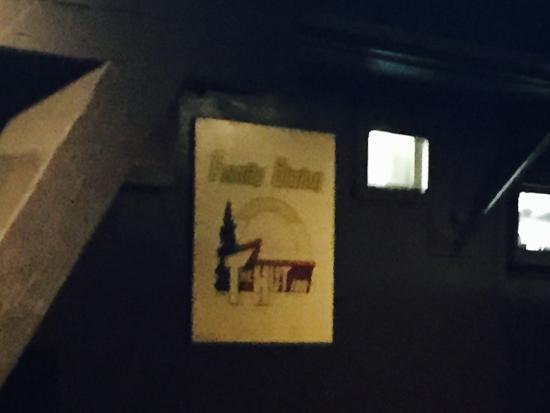 The Hut Inn: photo1.jpg