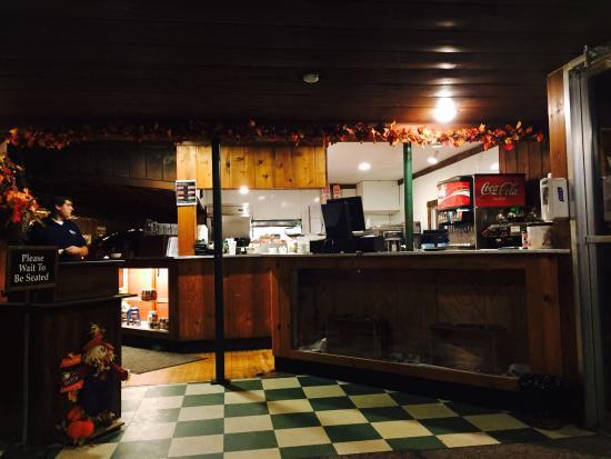 The Hut Inn: photo2.jpg