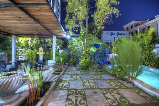 Prasats boutique hotel r m 2 1 0 rm 117 updated 2018 for Best boutique hotels phnom penh