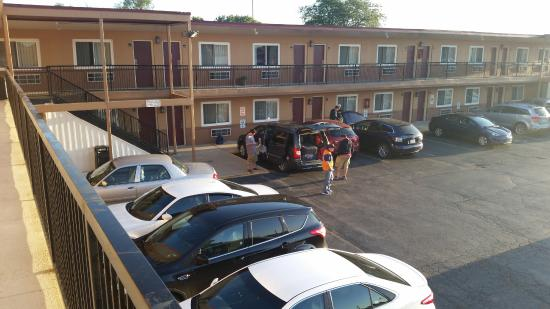 Desde El Pasillo Superior Picture Of Regal Inn Chicago O Hare