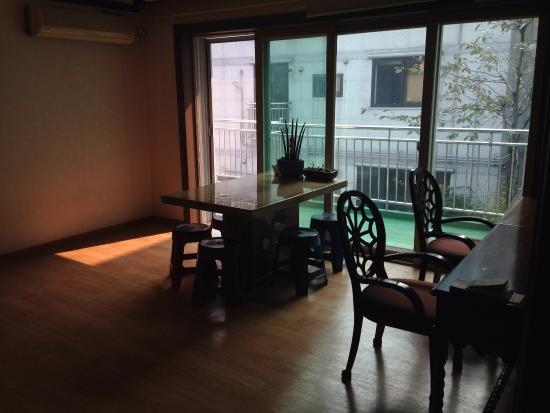 Seoul Myeongdong House : dining area or chill around and dress up area