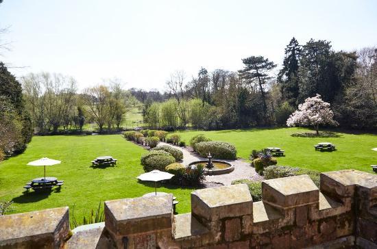 Rothley Court: Garden