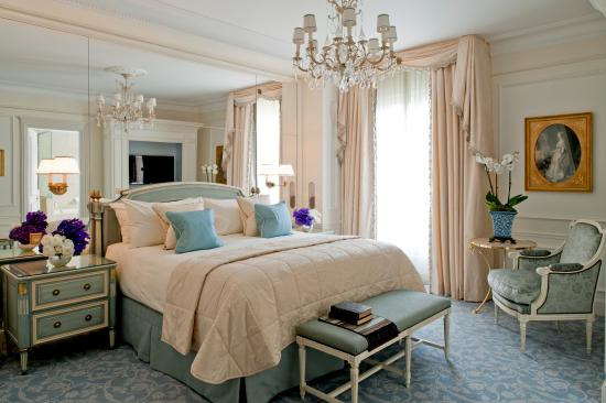 Four Seasons Hotel George V Paris: Deluxe Suite Bedroom