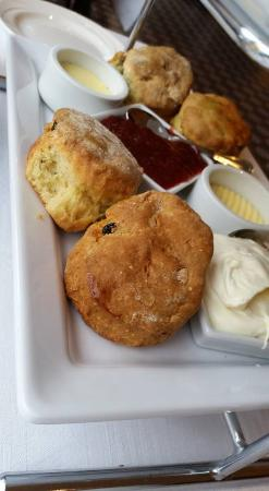 Donegal, Irlandia: Delicious scones as part of afternoon tea