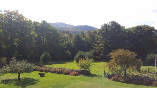 Sunapee View Bed and Breakfast: mountain