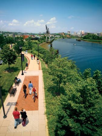Wilmington Riverwalk S Accesses A Staggering Choice Of Great Restaurants Indoor Outdoor