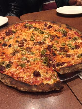 Amici's East Coast Pizzeria: photo0.jpg