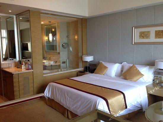 Sovereign Hotel Zhanjiang: Hotel