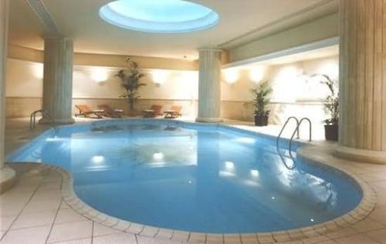Golden Tulip Vivaldi Hotel: Indoor Pool
