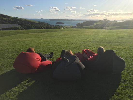 Isola Waiheke, Nuova Zelanda: Sunset at Cable Bay