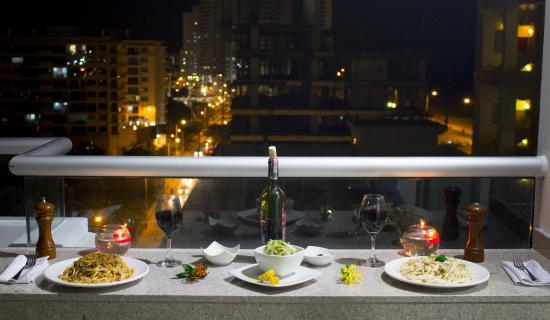 Hotel Cabrero Mar : Cena express: En la terraza MARBELLA