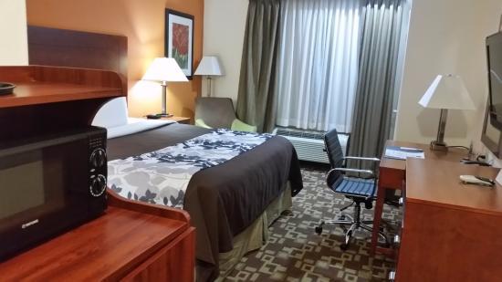 Sleep Inn & Suites Shreveport: bed area