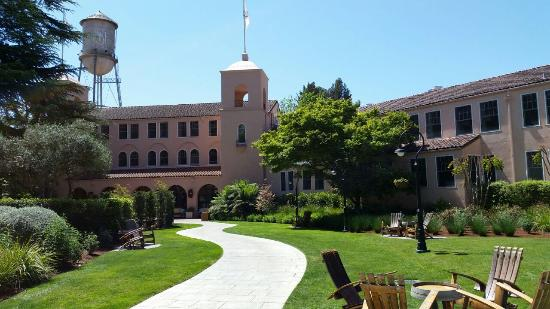 Fairmont Sonoma Mission Inn Spa Hotel Entrance