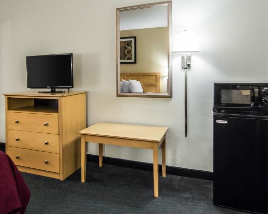 Elkton, FL: Guest Room