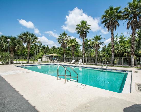 Elkton, فلوريدا: Pool