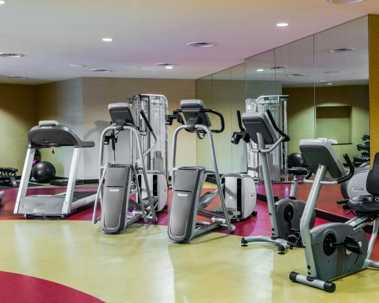 Cambria hotel & suites: Fitness center