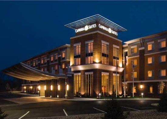 Cambria hotel & suites Raleigh-Durham Airport: Exterior