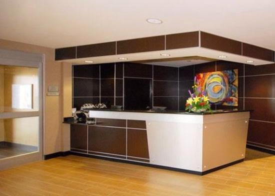 Cambria hotel & suites Raleigh-Durham Airport: Front desk