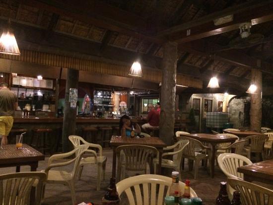 Eddie's Place: レストラン内部
