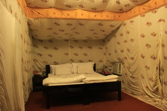 Sher Vilas Ranthambhore Maharaja Tent & Maharaja Tent - Picture of Sher Vilas Ranthambhore Sawai Madhopur ...