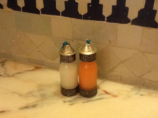 Riad Dar Al Kounouz: Gorgeous bathroom detail