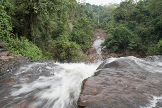 Prachantakham, Thailand: น้ำตกเหวอีอ่ำ ด้านบน