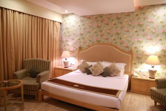 The Platinum Boutique Business Hotel : English Theme Room
