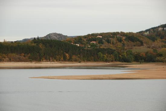 Revel, France : Vue du Lac version hiver