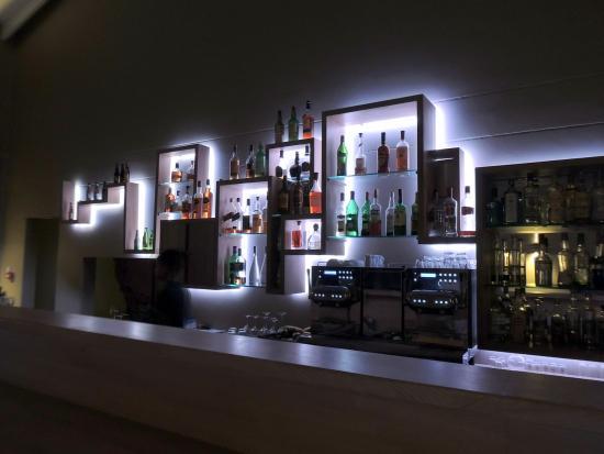 Un bar design choix raffiné picture of la plage