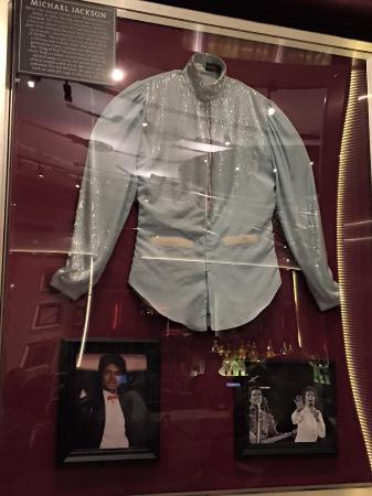 best website b72e6 dc304 camicia MJ King of Pop - Picture of Hard Rock Cafe ...
