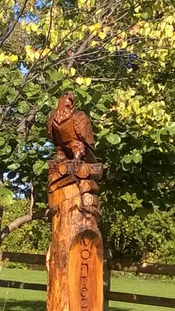 Montezuma Winery & Hidden Marsh Distillery : Eagle totem