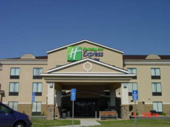 Kittanning, PA: Hotel Exterior