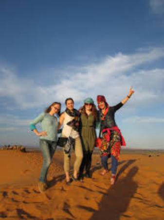 Dar Marhaba: en the dunes